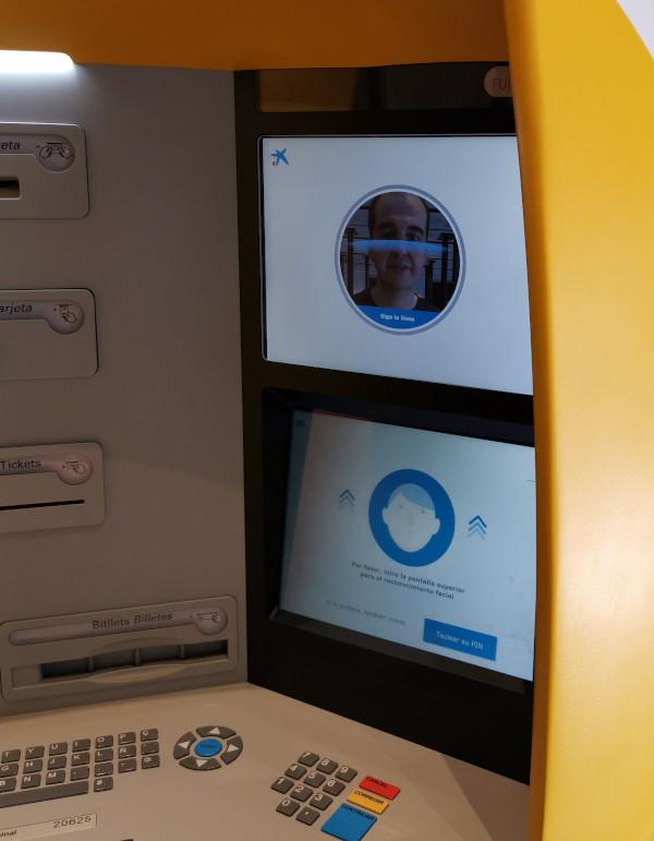 Uno de los cajeros con reconocimiento biométrico